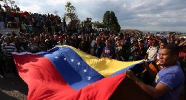 Ainda há espaço para negociar saída de Maduro do poder na Venezuela