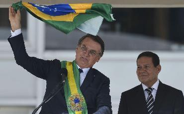 Bolsonaro defende classificar...