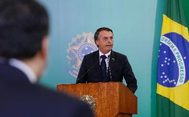 Bolsonaro defende mudanças...