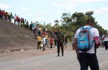 Brasil tenta permitir retorno de brasileiros da Venezuela