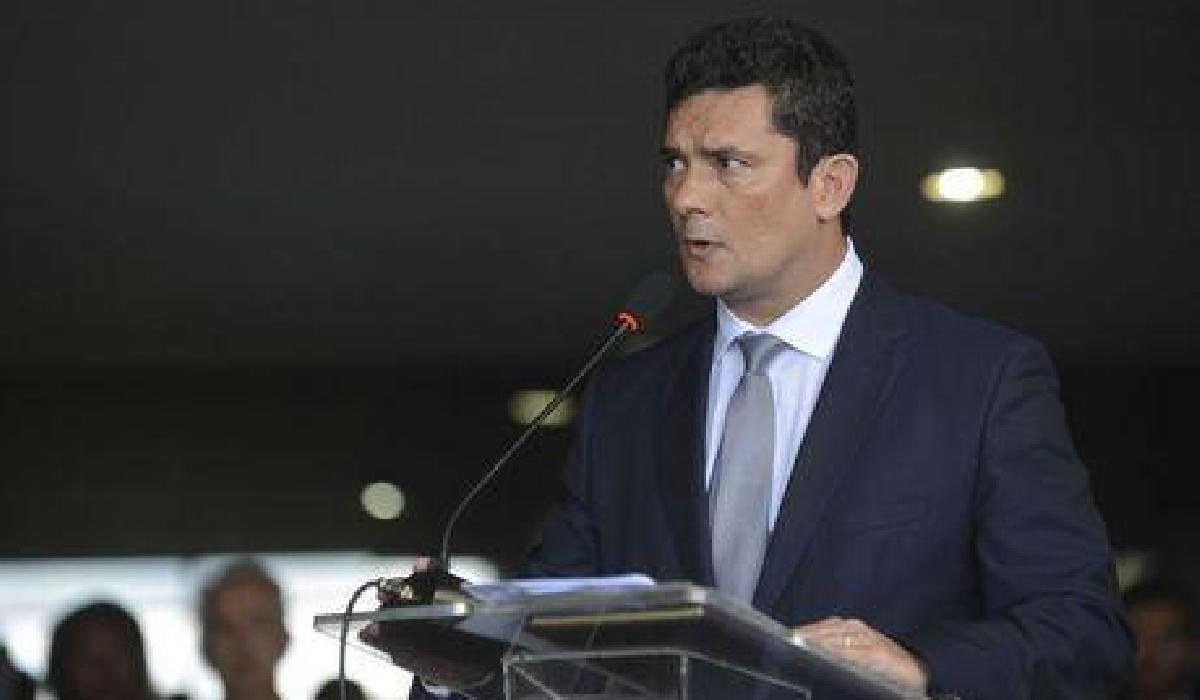Sérgio Moro diz que suspeitas de repasses do PSL serão apuradas