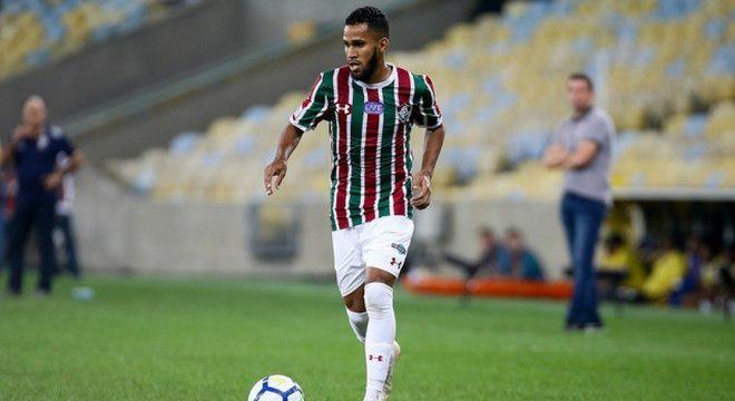 Na mira do Cruzeiro, Everaldo vem sendo um dos maiores garçons do futebol brasileiro
