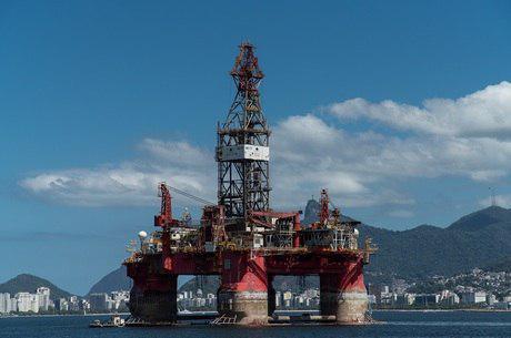 Petrobras controla vazamento...