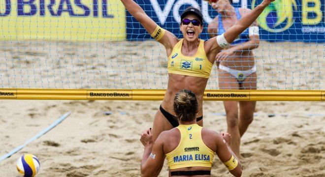 Vôlei de praia: Carol Solberg e Maria Elisa são campeãs em Fortaleza