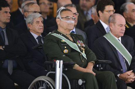Bolsonaro representa liberação das amarras ideológicas, diz general