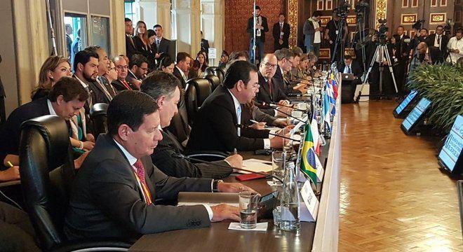 O que é o Grupo de Lima, que reúne representantes de 14 países para discutir a crise na Venezuela